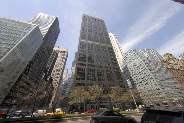 450 Park Avenue. (Credit: ProeprtyShark)