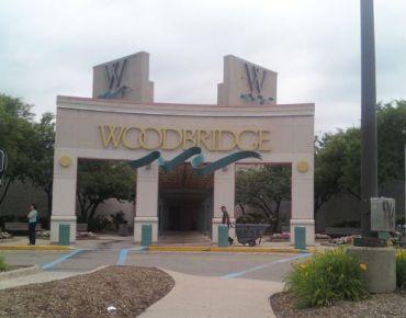 Woodbridge Mall in Woodbridge, N.J.