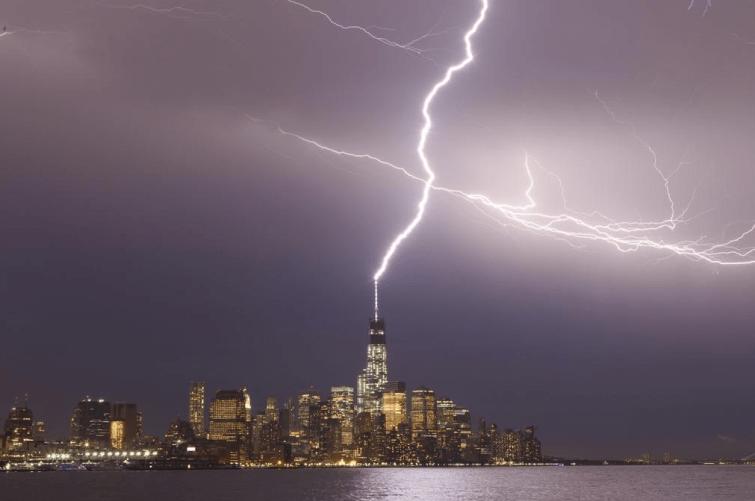 1 WTC Lightning
