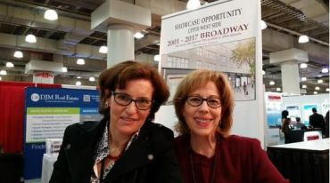 Lisa Rosenthal, left, and Robin Abrams, both of Lansco at ICSC NYC today. (Lauren Elkies Schram)