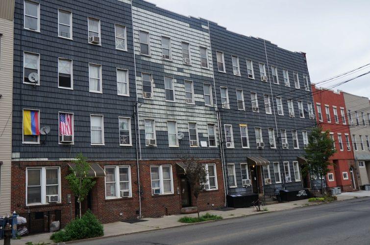 949-959 Metropolitan Avenue.