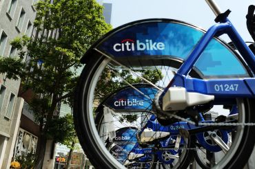 Citi Bike has become a popular transportation alternative, and soon it's headed further into the boroughs (Photo: Spencer Platt/Getty Images).