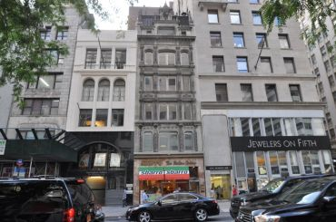 SL Green sold 574 Fifth Avenue (center) and 570 Fifth Avenue.