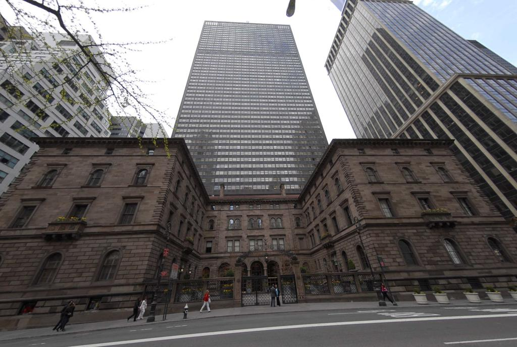 Lotte Group Closes Record 805m Purchase Of New York Palace Hotel Commercial Observer