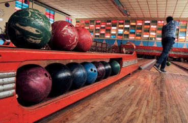 Strike while hot: Bowling alleys require a lot of space and equipment, which worries some investors, who fear they can't be easily redone in the event that the business goes bust (Photo: Jenny Vaughn/Getty Images).