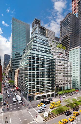 400 Park Avenue (Photo: CoStar).