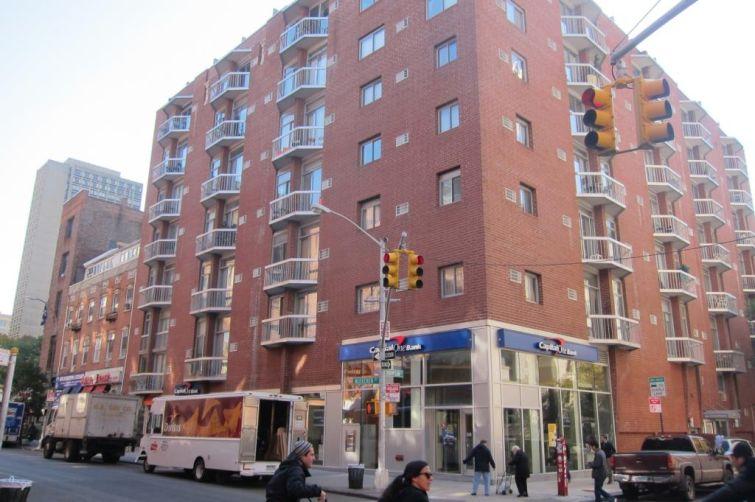 154 Bleecker Street/ 184 Thompson Street.