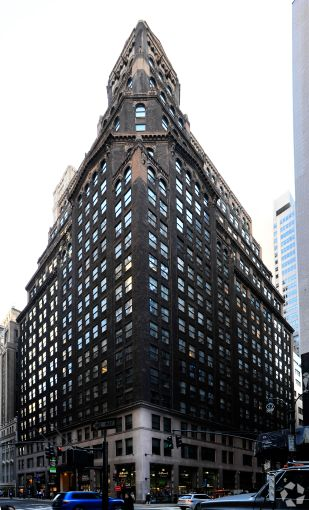 285 Madison Avenue (Photo: CoStar).