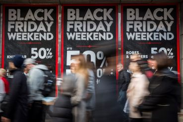 Black Friday bargain  hunters hit the streets (Photo: Rob Stothard/Getty Images).