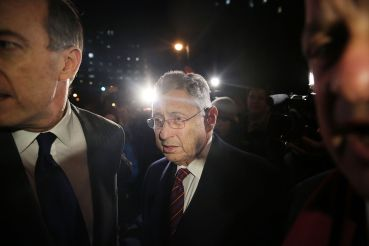 Former New York Assembly Speaker Sheldon Silver leaves a federal court in Lower Manhattan on November 30, 2015 in New York City (Photo by Spencer Platt/Getty Images).