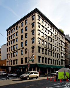 The Cosmopolitan Hotel—Tribeca at 125 Chambers Street (Photo: CoStar).