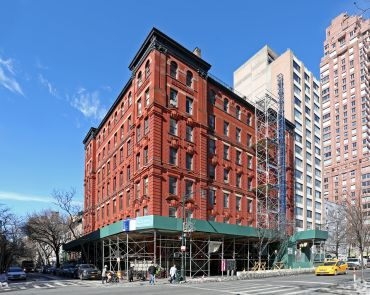 Ocean Grill's former home at 384 Columbus Avenue (Photo: CoStar).