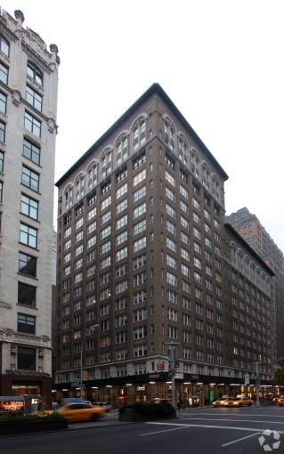 470 Park Avenue South (Photo: CoStar).