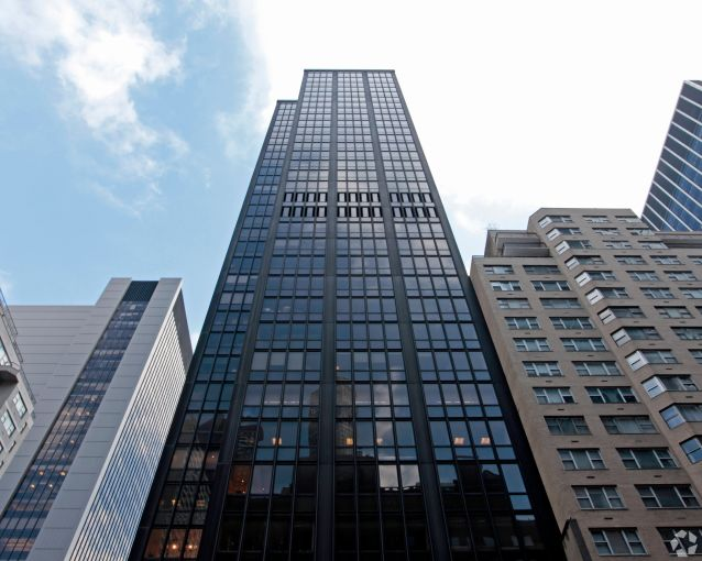1370 Avenue of the Americas (Photo: CoStar Group).