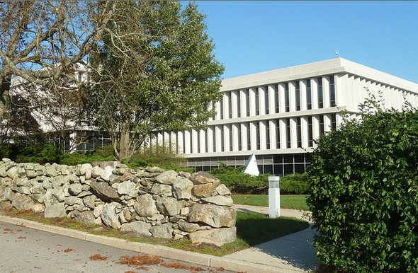 MetLife Office at 700 Quaker Lane in Warwick, R.I..