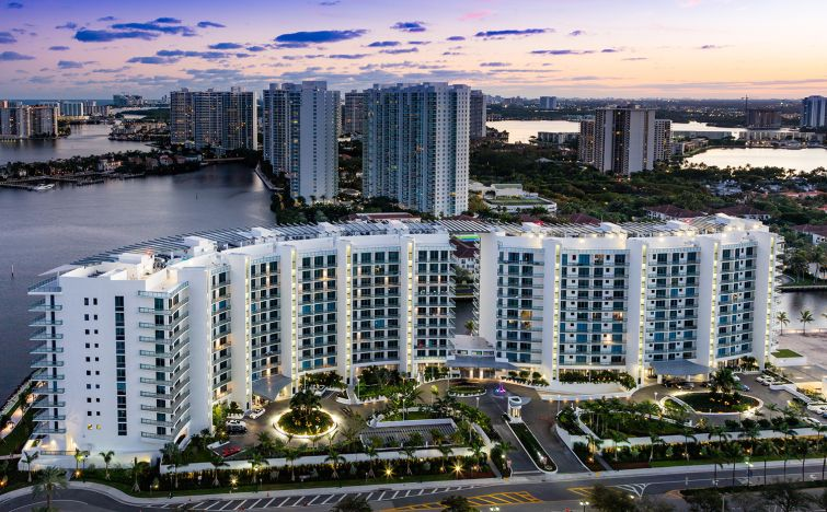 MIAMI MACHINE: Kevin Maloney of New York City-based Property Markets Group recently had an opening party for his 190-unit Echo Aventura project in Miami (Photo: Nickolas Sargent).