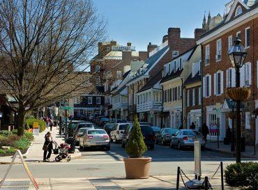Palmer Square, Princeton, N.J. (PHOTO: Dan Komoda).