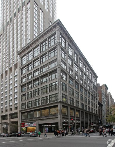404 Fifth Avenue (Photo: CoStar Group).