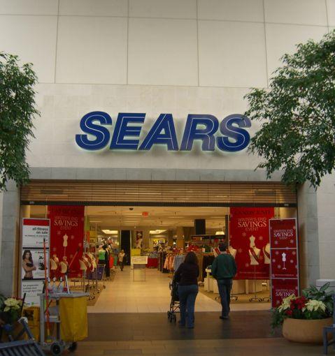 Sears in Paramus (Courtesy: Wikipedia).