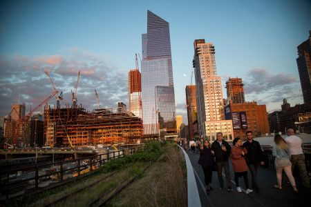 The High Line near Hudson Yards (Photo:  Michael Nagle/for Commercial Observer).