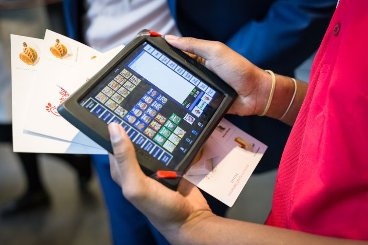 Customers in line get their order taken on iPads by employees at Chick-Fil-A at 1000 Ave of the Americas in Manhattan on 5 May 2016. Photo: Kaitlyn Flannagan for Observer