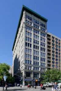 19 Union Square West (Photo: CoStar Group).