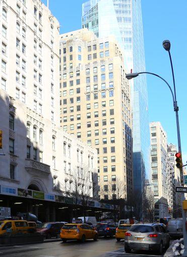 386 Park Avenue South (Photo: CoStar Group).