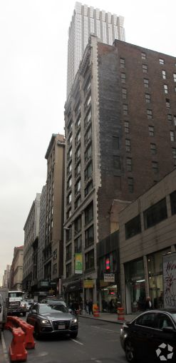 20 West 37th Street (Photo: CoStar Group).