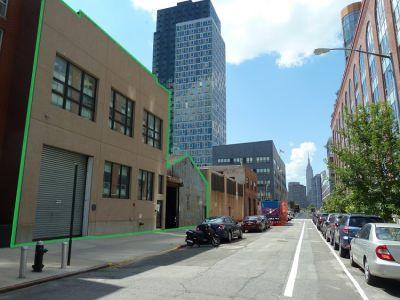 223 Borden Ave (Photo: Marcus & Millichap)