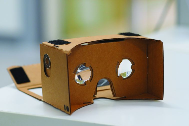 Google's cardboard VR mount (Photo: othree/Wikipedia Commons).