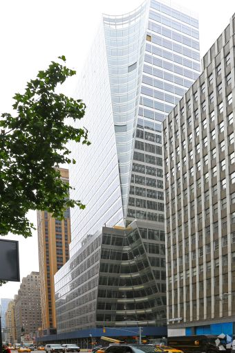 Structure Tone is working on Bank of China's 280,000 square feet of office space at its 7 Bryant Park building (Photo: CoStar Group)