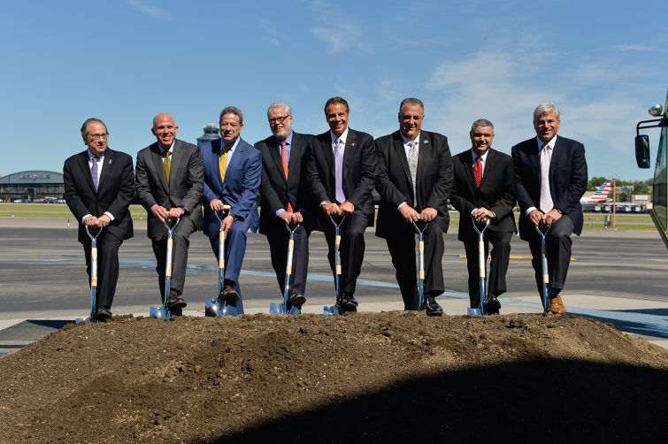 Cuomo, center, breaking ground on the new Terminal B with Port Authority and construction officials (Photo: Port Authority of NY & NJ/Flickr).