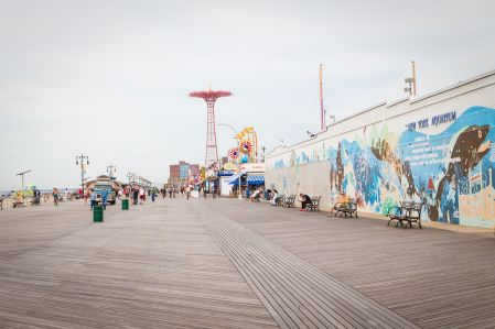 Coney Island boardwalk, which features the landmarked Parachute Jump. (Photo: Kaitlyn Flannagan for Observer.)