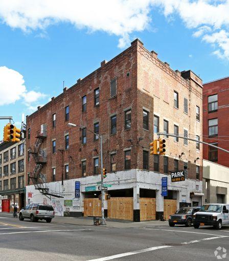 152 Elizabeth Street (Photo: CoStar Group).
