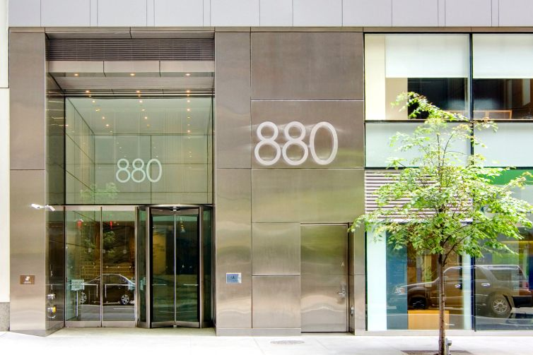 The entrance of 880 Third Avenue (Photo courtesy: Jack Resnick & Sons).