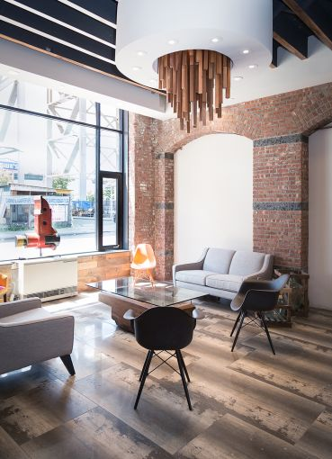 The common lounge for tenants of the GL&G at 61 9th Street in Gowanus (Photo: Kaitlyn Flannagan /for Observer).