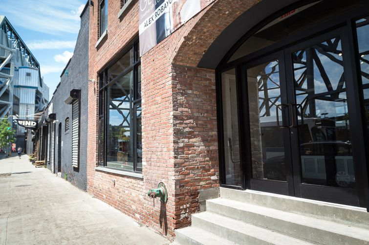 Landlord Gowanus Holdings added large windows to the exterior of the building at 61 9th Street (Photo: Kaitlyn Flannagan /for Observer).