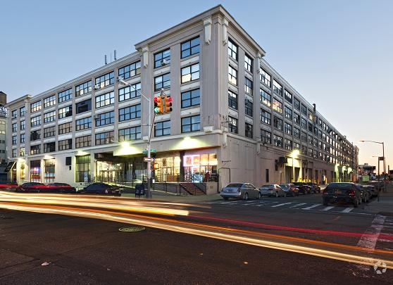The Falchi Building at 31-00 47th Avenue (Photo: CoStar Group).