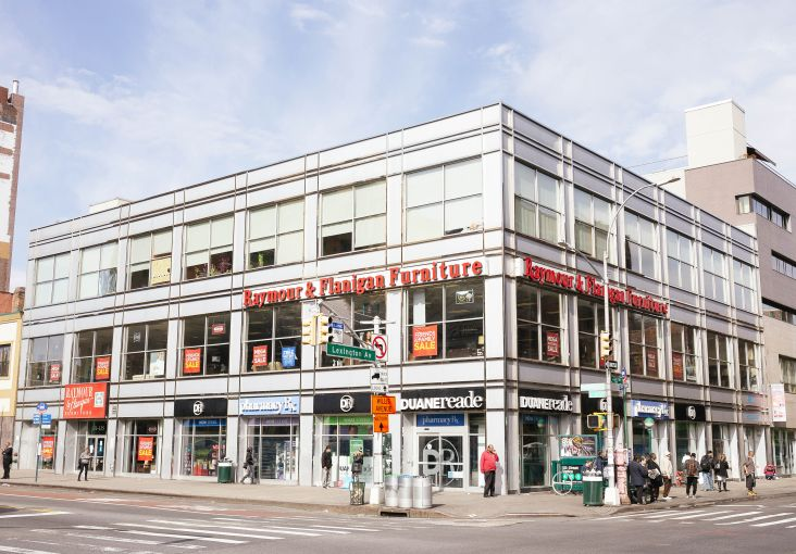 Michael Worthman represented Thor in-house in the Modell's Sporting Goods deal at 135 East 125th Street.
