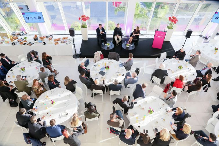 A breakfast panel on strategies for expansion in the Americas. Photo: MAPIC World.