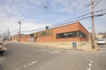 Liform Imports new home at 58-25 52nd Avenue in Woodside, Queens.