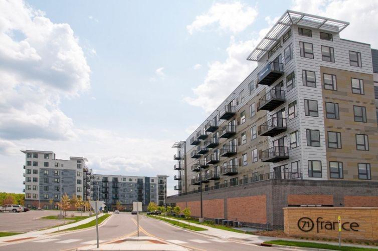 71 France apartments in Minneapolis, Minnesota. Photo courtesy: CBRE.