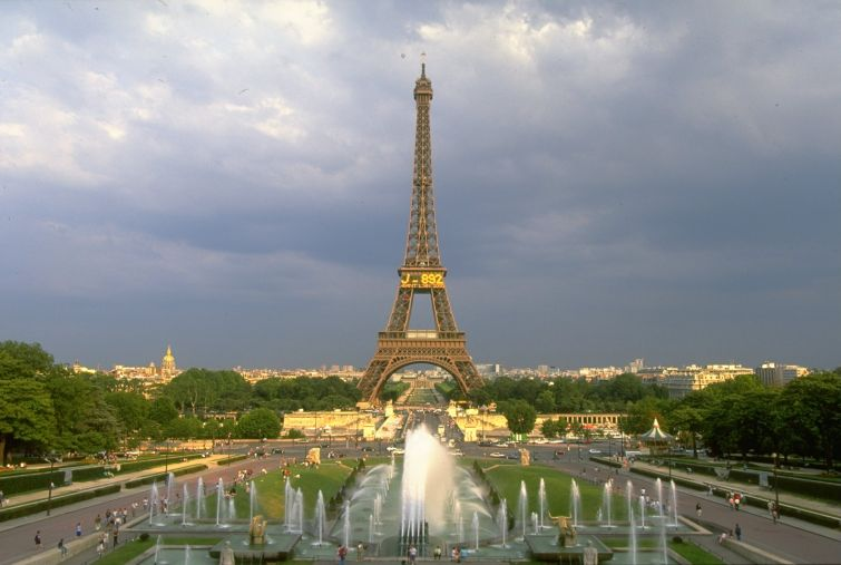 The Eiffel Tower in Paris Photo: Graham  Chadwick/Allsport.
