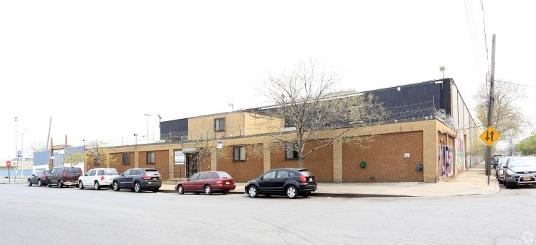 1380 Spofford Avenue Photo: CoStar Group