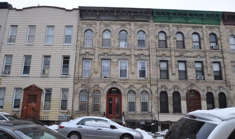 848 Hart Street