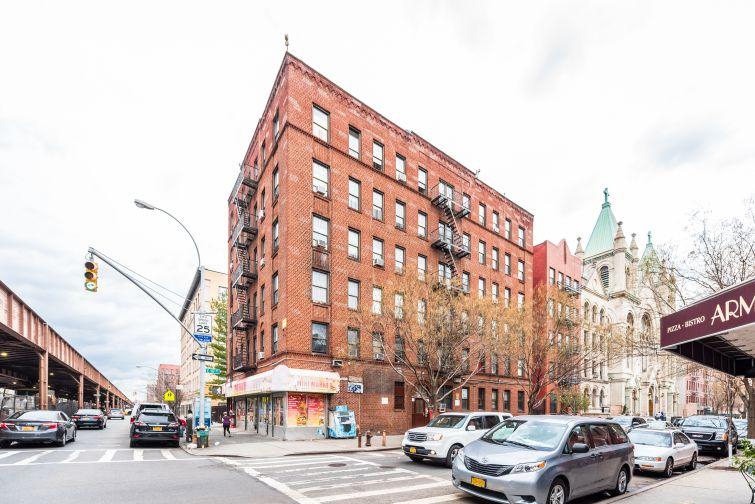 1661 Park Avenue