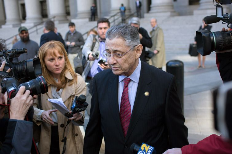 Sheldon Silver speaks to reporters during his trial in 2015. Photo: Kevin Hagen/Getty Images