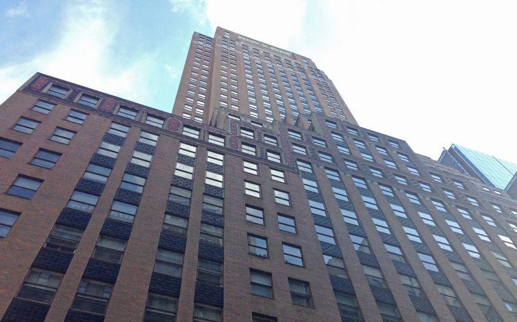 551 Fifth Avenue.