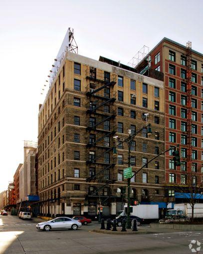 67 Vestry Street.