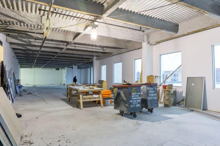 The office floors has 14-foot ceiling heights slab-to-slab.